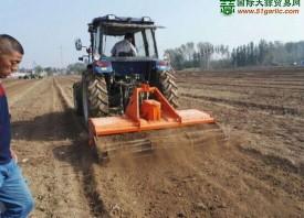 机械化设备助力山东大蒜 ()