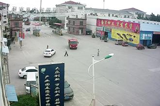 金乡大蒜国际交易市场东门 ()